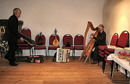 Paul Wilson of the Wren Trust and harpist Annabelle Reynolds