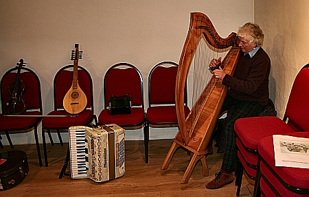 Annabelle Reynolds playing her harp